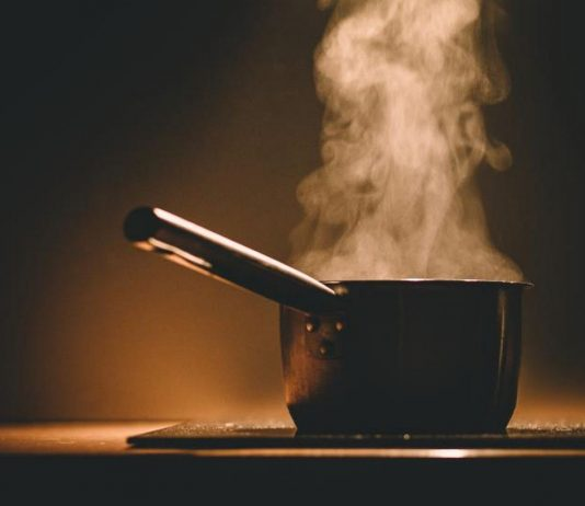 kitchen pot with boiling water