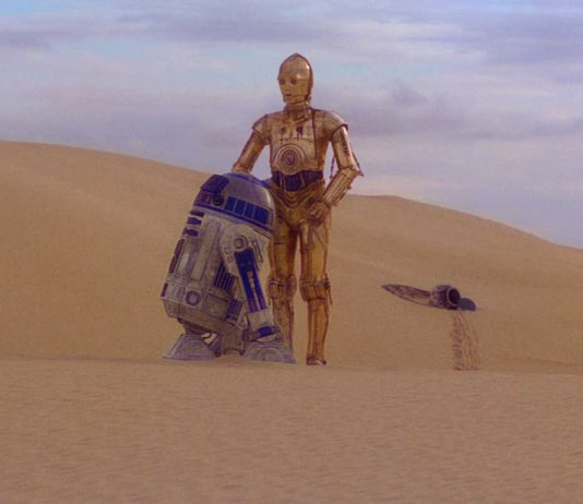 Star Wars Tatooine desert with R2-D2 and C-3PO